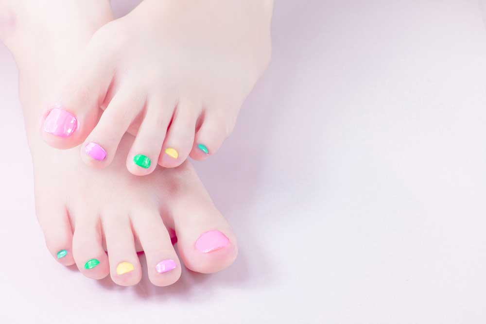 paint-toenails