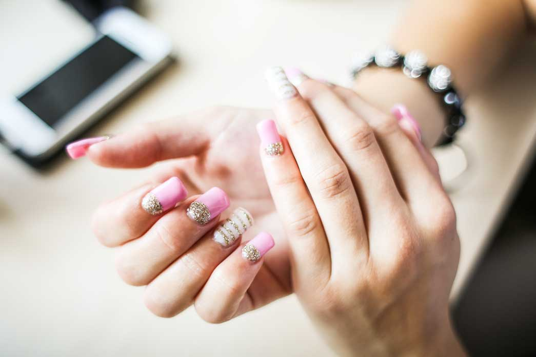 How To Remove SNS Nails: Easy And Simple Ways At Home
