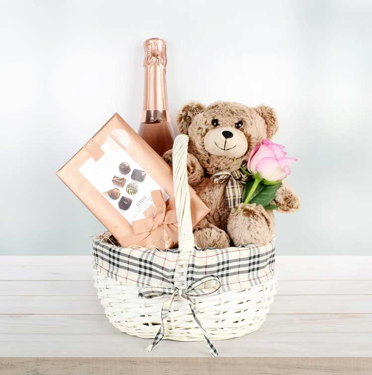 Bear-and-Bubbly-Valentine's-Day-Gift