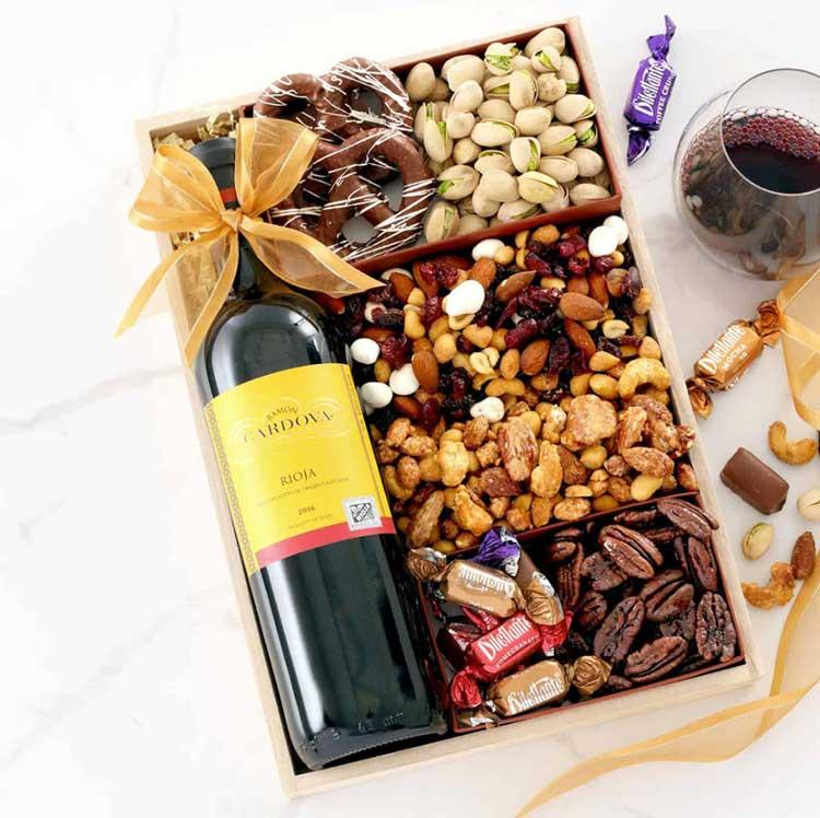 Very-Berry-Wine-Gift-Tray