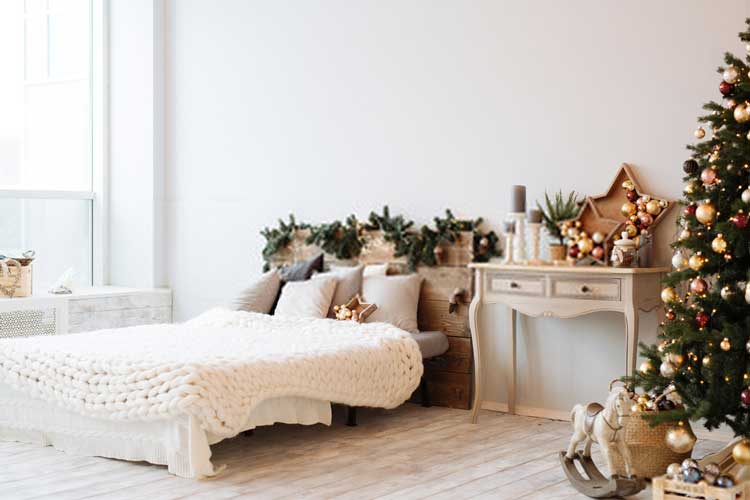 All-Year Cheer: How to Decorate a Bedroom for Endless Holiday Spirit